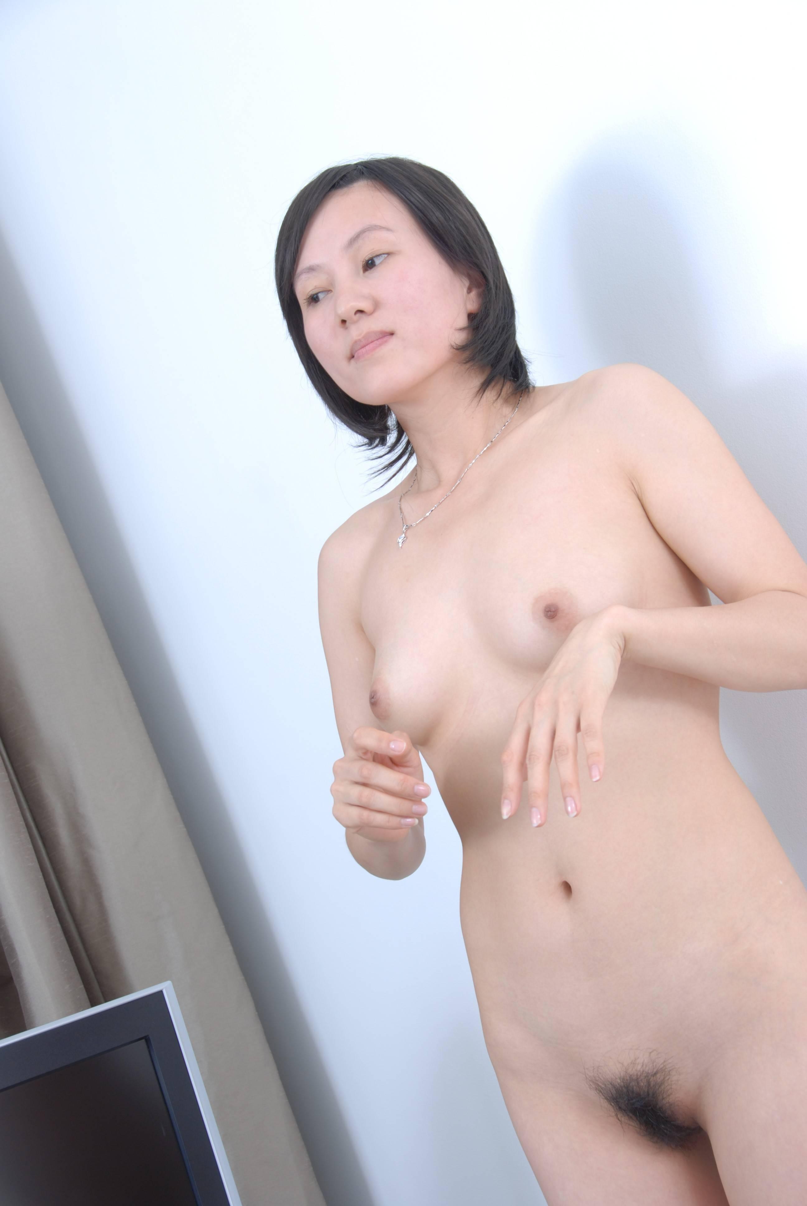 tubuh seksi putih mulus dan memek lower berlendir lonte gadis manis mahasiswi bokingan.jpg